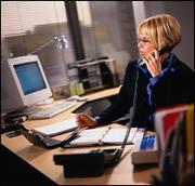 требуется сотрудник в офис с умением и навыками работы с рекламой